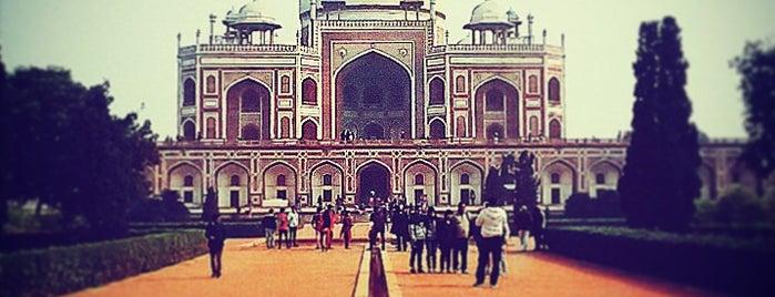 Humayun's Tomb | हुमायूँ का मकबरा is one of Posti che sono piaciuti a Elena.