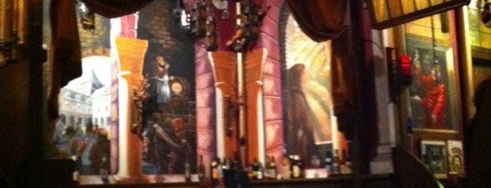 Pub Italia is one of Lugares favoritos de LJ.