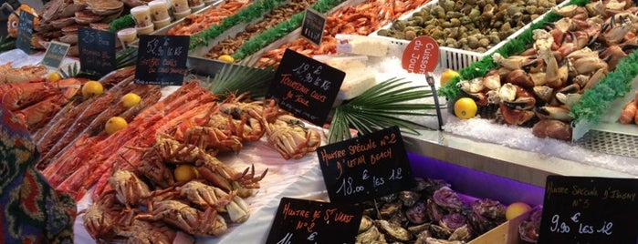 Marché aux Poissons de Trouville is one of Locais curtidos por Mujdat.