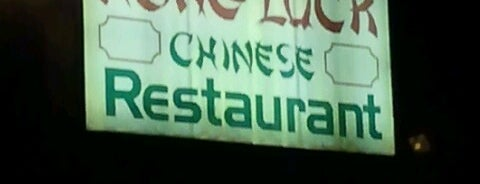 Hong Luck Restaurant is one of Locais curtidos por Maggie.