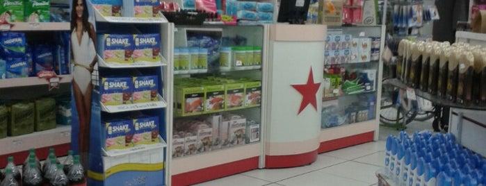 Farmacia Estrela is one of Locais curtidos por Denise.