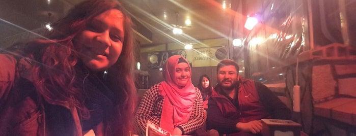 Divan-ı Hümayun Kahve & Nargile Evi is one of Lieux qui ont plu à Hasan.