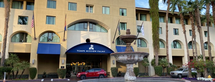 Tempe Mission Palms Hotel and Conference Center is one of สถานที่ที่ Justin Eats ถูกใจ.