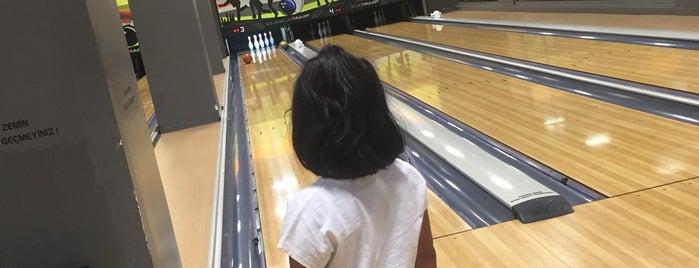 Acarloft Bowling is one of สถานที่ที่ JOY ถูกใจ.