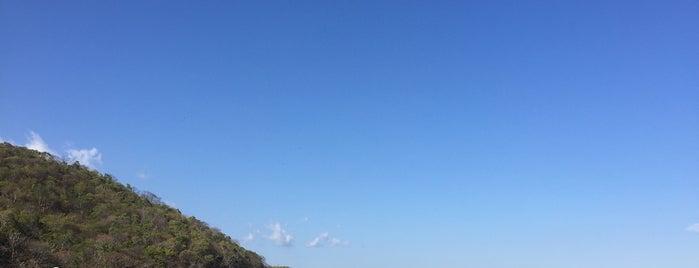 Playa La Entrega. is one of Lugares favoritos de Paoxz.