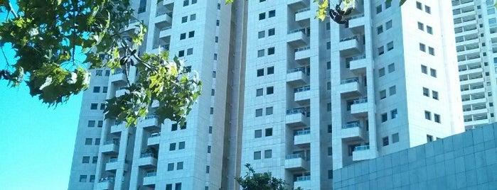 Tel Aviv Towers Mall is one of Israel 👮.