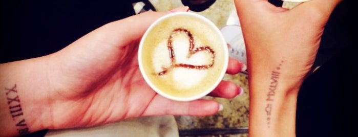 Raees Coffee | کافه رئیس is one of Locais curtidos por Qazal.