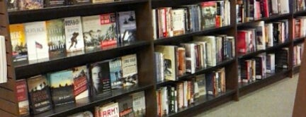 Barnes & Noble is one of Orte, die Santiago gefallen.