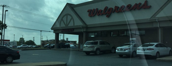 Walgreens is one of Markさんのお気に入りスポット.