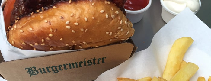 Burgermeister is one of Berlino.