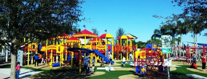 Circus Park Playground is one of Orte, die Will gefallen.