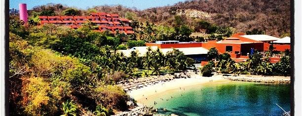 Las Brisas Hotel Huatulco is one of Lugares favoritos de Fernando.