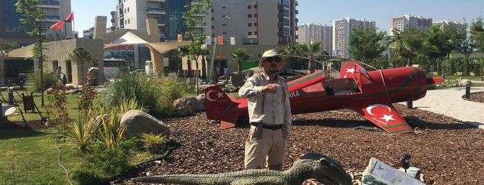 Karşıyaka Belediyesi Evrensel Çocuk Müzesi ve Eğitim Kampüsü is one of สถานที่ที่ Sarper ถูกใจ.