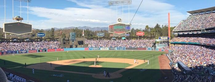 Dodger Stadium is one of Lugares favoritos de Barry.