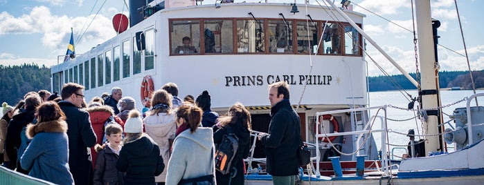 M/S Prins Carl Philip is one of Locais curtidos por IrmaZandl.
