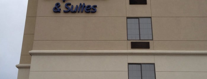 Holiday Inn Express & Suites Indianapolis - East is one of Locais curtidos por Chris.