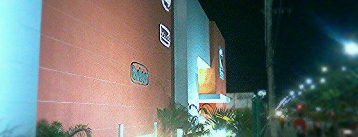 Sumaúma Park Shopping is one of Osvaldo'nun Beğendiği Mekanlar.