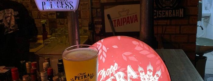 General Pub is one of Locais curtidos por Rodrigo.