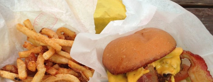 Off-Site Kitchen is one of Dallas's Most Mouthwatering Burgers.