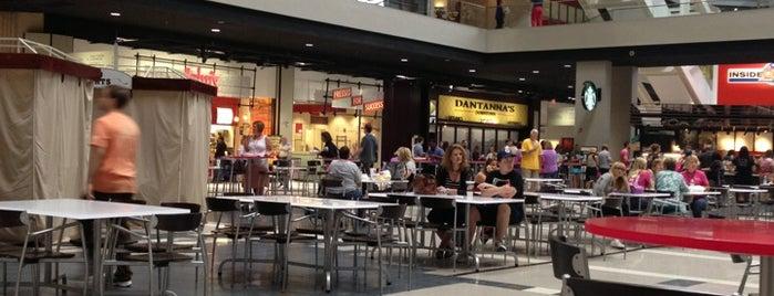 Food Court at CNN Center is one of Orte, die Chia gefallen.