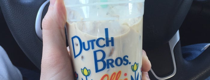 Dutch Bros. Coffee is one of Lieux qui ont plu à M.