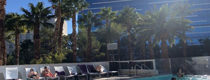 Breathe Pool Lounge is one of Sites To Visit.