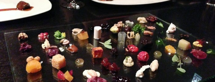 Alinea is one of Chicago.