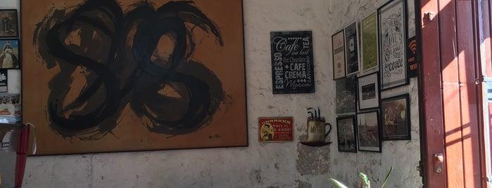 Huayruro peruvian coffee shop is one of Lieux sauvegardés par Devon.