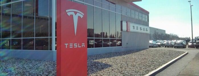 Tesla Motors is one of Lieux qui ont plu à Tyler.