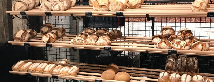 The bakery is one of Antwerp Pateekes week.
