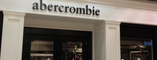 Abercrombie & Fitch is one of Sergio M. 🇲🇽🇧🇷🇱🇷さんのお気に入りスポット.