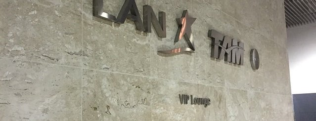 LATAM VIP Lounge is one of Tempat yang Disukai Sir Chandler.