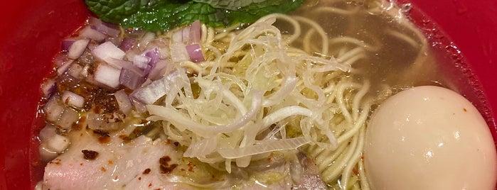 Tsuta Japanese Soba Noodles US 蔦つた is one of สถานที่ที่บันทึกไว้ของ Abhinav.