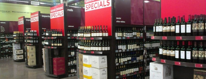 BevMo! is one of Lugares favoritos de Armando.