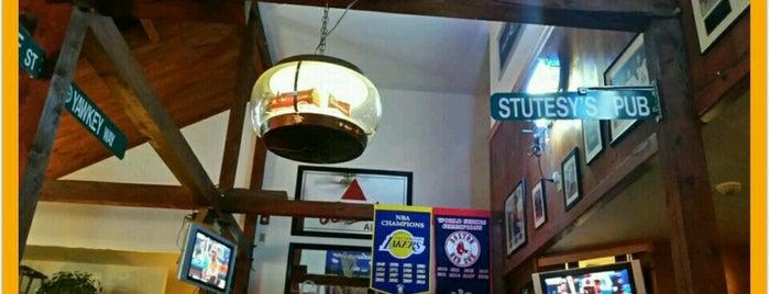 Stutesy's Pub & Grill is one of Tempat yang Disukai Cate.