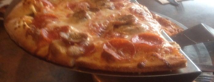 Slyce Pizza Bar is one of Locais curtidos por Debbie.