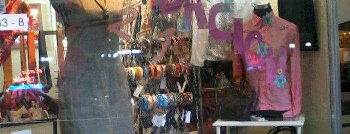 Piadosa Bazar Vintage is one of Santiago.