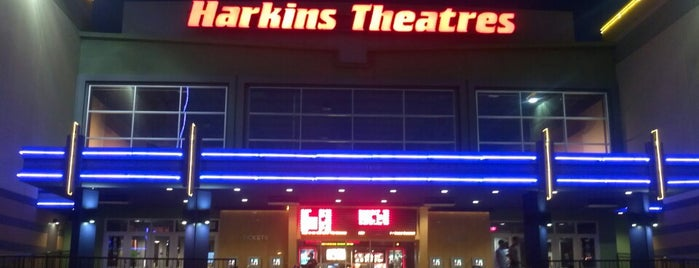 Harkins Theatres Southlake 14 is one of Locais salvos de Naveen.