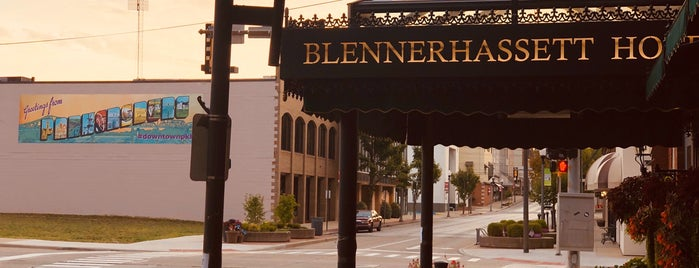 The Blennerhassett Hotel is one of Lugares favoritos de Ted.