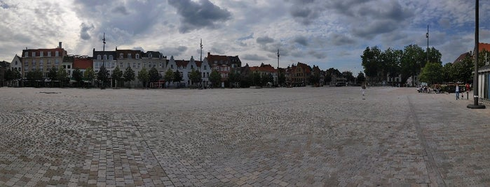 't Zand is one of Brugge.