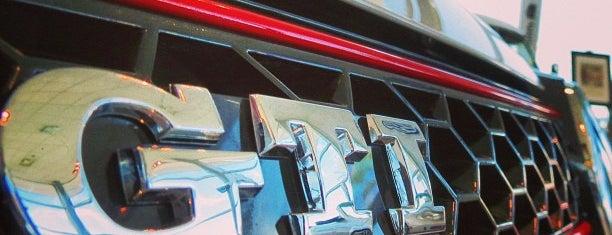 Volkswagen North Scottsdale is one of Glenn'in Beğendiği Mekanlar.