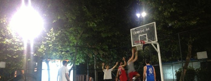 Caddebostan Basketball Courts is one of Best Places.