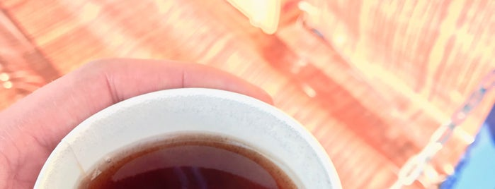Sadaf Tea Bar | دکّه پارک صدف is one of Pouriaさんのお気に入りスポット.