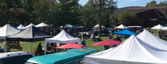 Stowe Farmers Market is one of BURLINGTON!!.