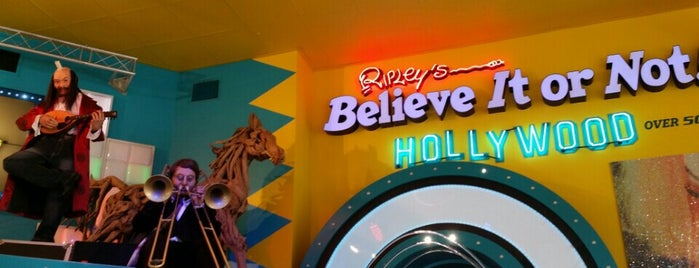 Ripley's Believe It or Not! is one of Tempat yang Disukai Michelle.