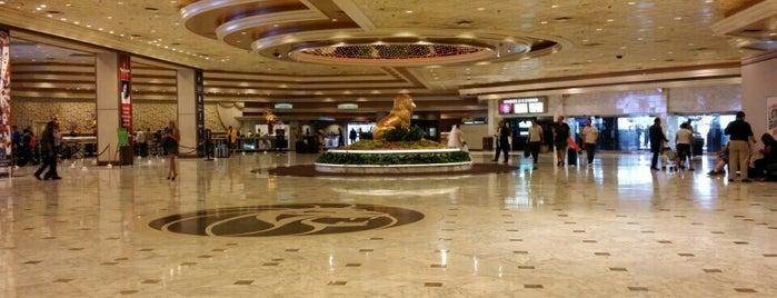 MGM Grand Hotel & Casino is one of Michelle : понравившиеся места.