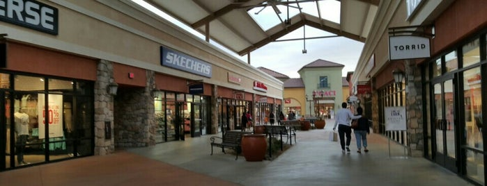 The Outlets at Tejon is one of Lieux qui ont plu à Michelle.