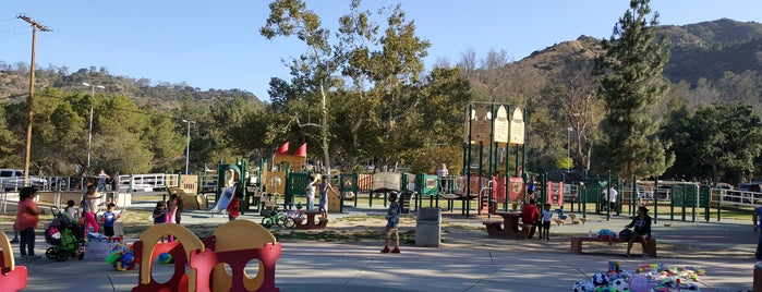 Shane's Inspiration Playground (Griffith Park) is one of Posti che sono piaciuti a Michelle.