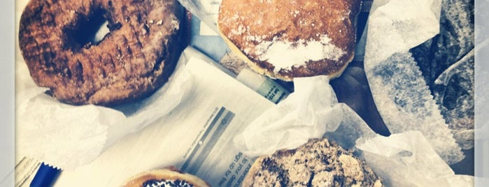 Peter Pan Donut & Pastry Shop is one of BKLYN: Whole New World.