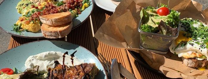 Café Friedrichs is one of Posti che sono piaciuti a Philip.